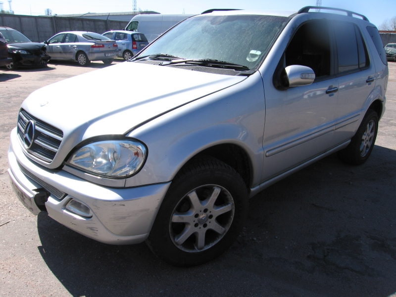 Mercedes Benz ML-500