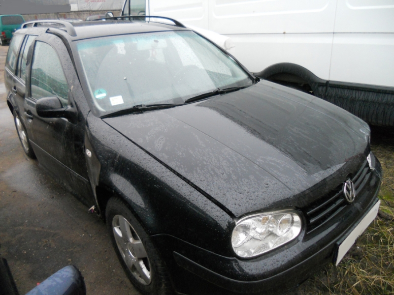 VW Golf Variant