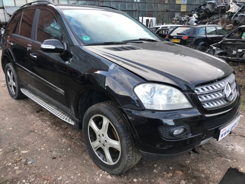Mercedes Benz ML-320